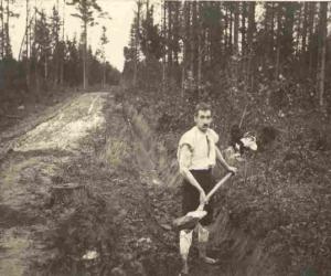 Ceļa būvēšana uz jaunsaimniecību Lazdonas pagastā, 1920. gadu pirmā puse
