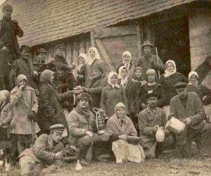 Kulšanas talka Liezērē ap 1928. g. P. Liepiņš