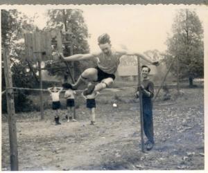 Vieglatlētikas sacensības Vestienas skolā, 1958. g.